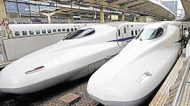 Shinkansen high-speed train at Tokyo station. Prime Minister Narendra Modi and his Japanese counterpart Shinzo Abe launched the project to build India's first bullet train network in September.(AP File Photo)