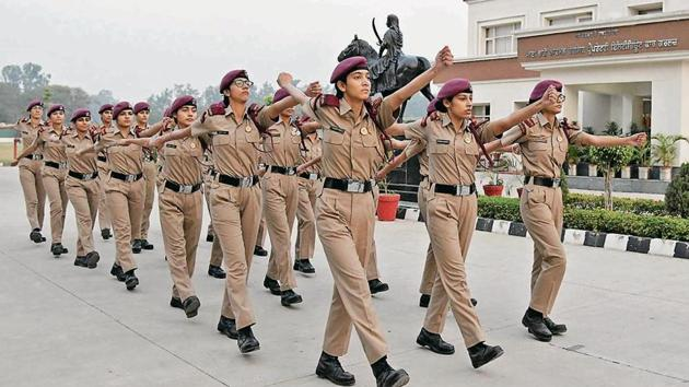 Cadets during a drill at Mai Bhago Armed Forces Preparatory Institute for Girls, Sector 66, in Mohali.(Karun Sharma/HT)
