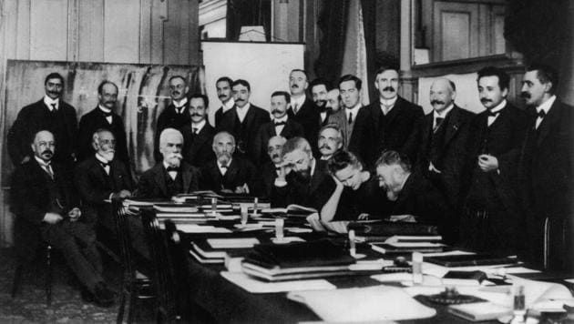 The international physics conference convened in Brussels by Belgian chemical magnate Ernest Solvay, 1911. Perhaps the most formidable gathering of scientists ever, most are Nobel laureates. Marie Curie is the only woman in the gathering. Left to right standing: Victor Goldschmidt, Max Planck, Rubens, Somerfeld, Lindemann, Louis Victor De Broglie, Knudsen, Hasenohrl, Hostelet, Herzen, James Hopwood Jeans, Ernest Rutherford, Heike Kamerlingh-Onnes, Albert Einstein, Paul Langevin. Left to right seated at table: Walther Nernst, Marcel Louis Brillouin, Ernest Solvay, Hendrik Lorentz, Otto Heinrich Warburg, Jean Baptiste Perrin, Wilhelm Wien, Madame Marie Curie, Jules Henri Poincare(Couprie/Hulton Archive/Getty Images)