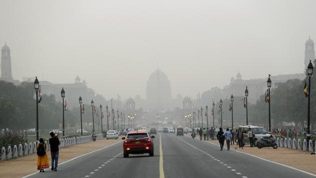 Raisina hills enveloped in a thick blanket of smog in New Delhi.(AP)
