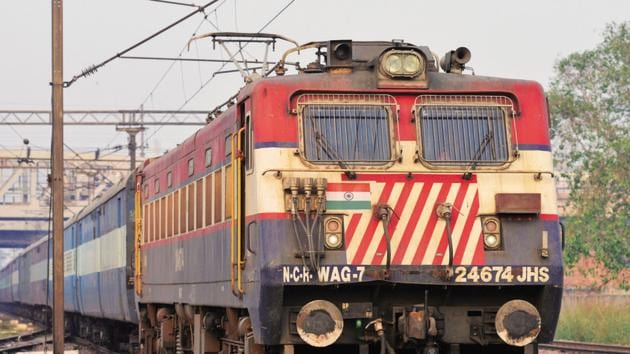 Zonal 'rivalries' in Indian Railways are allegedly leading to delay in services as various zones deliberately halt trains plying under other zones to record best on-time performance.(HT photo)