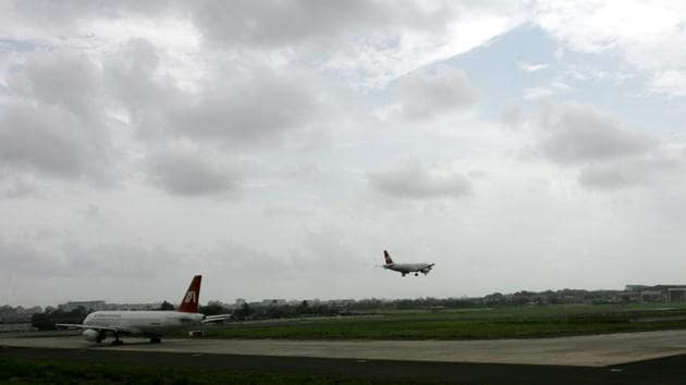 Mumbai's airport, which is the country's second busiest airport, handles 925 flights a day.(Pic for Representation)