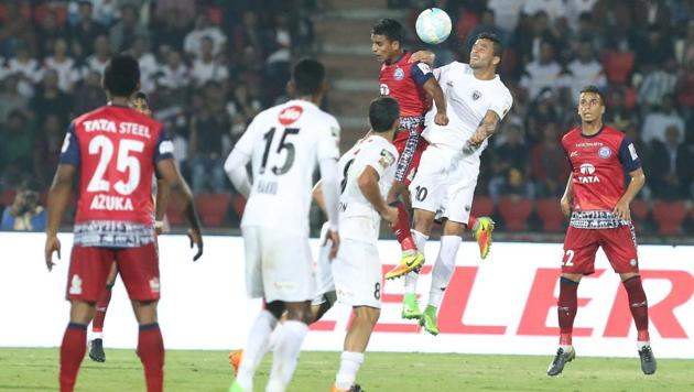 NorthEast United FC could only manage a goalless draw against Jamshedpur FC in their opening Indian Super League game.(ISL / SPORTZPICS)