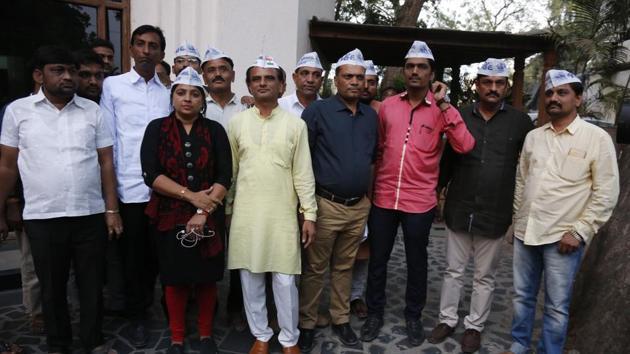 Patidar Anamat Andolan Samiti (PAAS) leaders arrives to talk with Congress leaders in Ahmedabad, Gujarat, on November 19, 2017.(Siddharaj Solanki/ HT Photo)