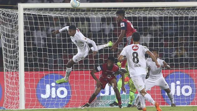 North East United FC dominated proceedings in their Indian Super League 2017-18 opener against debutants Jamshedpur FC, who were reduced to ten men late in the second half, but were held to a goalless draw after a string of saves by veteran goalkeeper Subrata Paul. Playing at home in Guwahati, NorthEast United were denied on a number of occasions by Paul, who handed Jamshedpur a crucial point from the game.