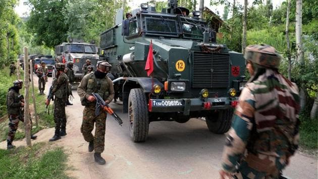 Army cordon off the area during an encounter in Pulwama, south Kashmir.(PTI Photo)