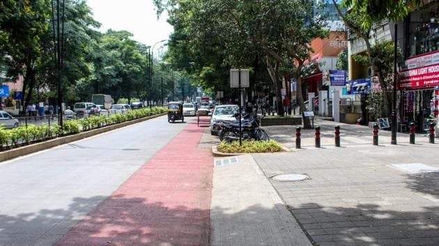 A cycle track created by PMC as part of Smart City project of the road connecting Bremon Square and Parihar Chowk, Aundh in Pune.(HT FILE PHOTO)