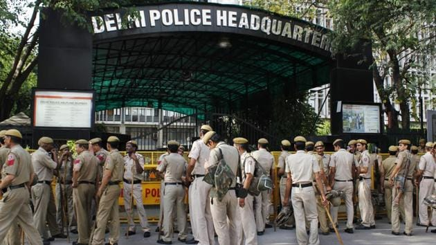 Of the 150 policemen accused of sexual harassment, 122 are facing trial while 28 have been acquitted, according to replies Hindustan Times received from 38 of Delhi Police's 45 departments under Right to Information.(Sanchit Khanna/ HT File Photo)
