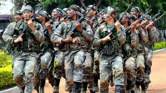 Special arms force of Jharkhand police in drill for anti naxal combing operation at JAP 1 Ground in Ranchi, on September 12, 2017.(HT File Photo)