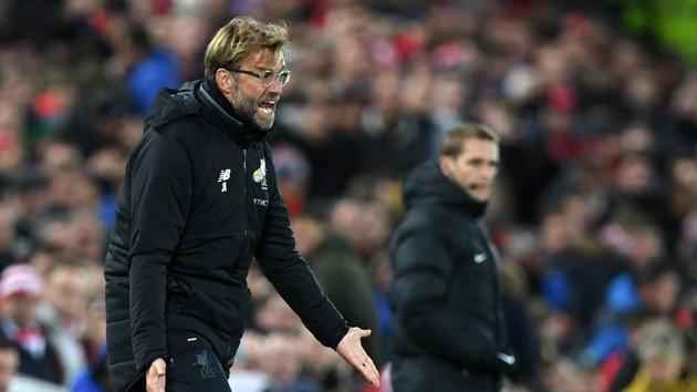 """Jurgen Klopp, Liverpool F.C. manager, has expressed disappointment that the officials took so long to allow a substitution just before Antonio Conte's Chelsea F.C. side scored. The match ended in a 1-1 draw. Following the result, Klopp stressed on the need for the team to set some targets in the Premier League. """"e can win games, but if they still go on winning all their games, then we can do whatever we want. So I think it's really important in life that you have your own targets and the right targets and then you can be a happy person. A happy person can say a confident person, a confident person can reach a lot. So maybe it's Manchester City (to win title) I've no idea, and I'm not interested. So today I really didn't think a second after the game about Manchester City. What I thought was, I really thought was that we should have won the game."""" (Video credit: SNTV)"""