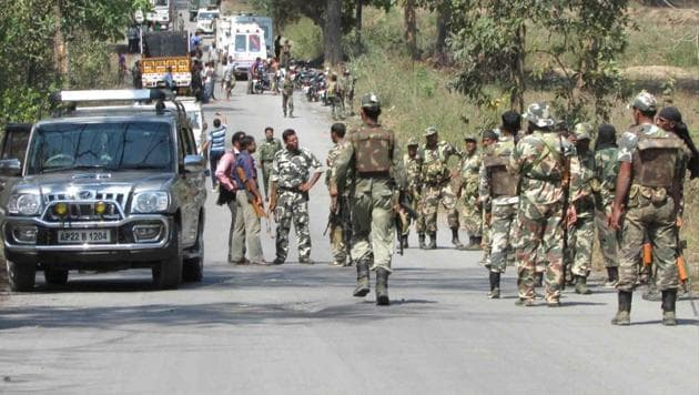 Bodies of security forces being taken away in Tongpal in March 2014 after Maoist rebels ambushed police and killed 16. Security forces have killed at least 69 Maoists (their bodies were recovered) so far this year, but lost 59 of their own during encounters.(HT File Photo)