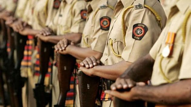 Individuals who earn more than Rs50,000 a month have to pay a protection fee of Rs95,000 a month for a constable and Rs1.02 lakh for a police naik.(HT File)