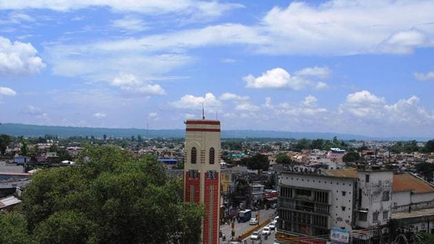 In the Dehradun Municipal Corporation the number of corporators will go up from 60 to 100.(Vinay S Kumar/HT Photo)