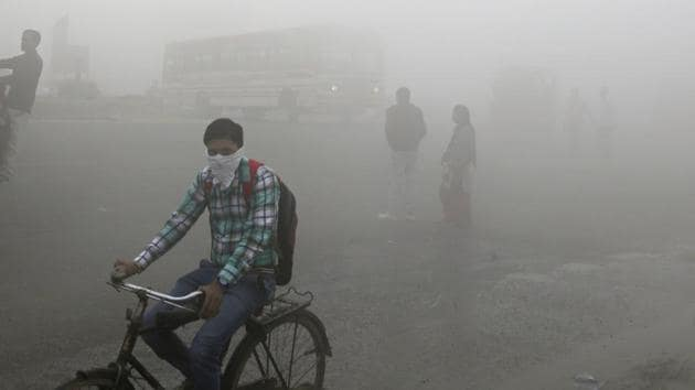 A thick blanket of smog on the outskirts of New Delhi.(AP File Photo)