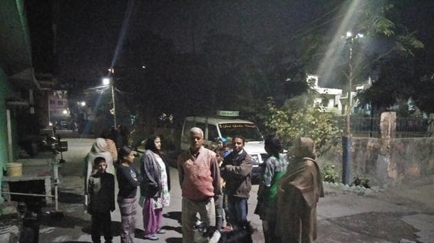 The National Capital Region felt the tremor of the moderate earthquake, measuring 5.5 on the Richter Scale, that hit Uttarakhand around 8.45 pm.(HT PHOTO)