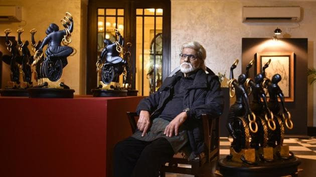 Satish Gujral is an important Indian painter, sculptor and muralist of the post-independence era.(Raj K Raj/HT PHOTO)