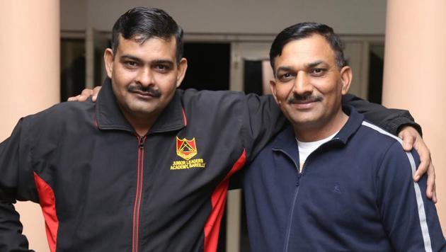 Subedar Yogendra Yadav (left) with Naib Subedar Sanjay Kumar (right) in Panchkula on Thursday. Both wear their bravery lightly.(Sant Arora/HT)