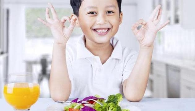 Eating well leads to fewer emotional problems and better relationships with other children.(Shutterstock)