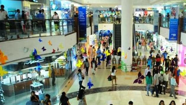 The Maharashtra government issued a notification allowing shops, cinema halls, salons etc. to remain open 24x7 in the state. It does not include liquor shops.(File photo)