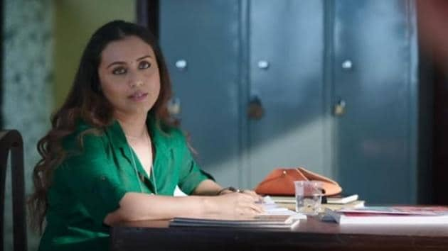In the film, Rani plays the role of Naina Mathur who has a nervous system disorder, Tourette syndrome, that forces an individual to make involuntary repetitive movements or sounds.