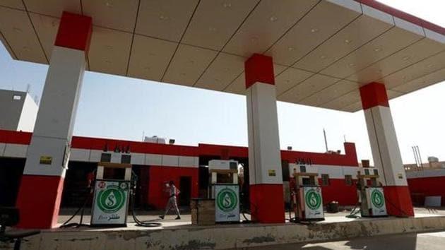 A man walks at a petrol station in Riyadh, Saudi Arabia October 8, 2017.(Reuters)