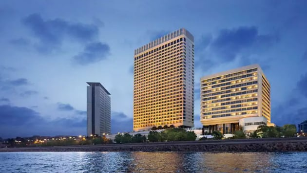 The Oberoi, Mumbai, is Vir Sanghvi's favourite hotel that he stayed at in 2017.