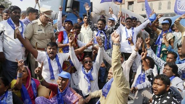 RPI activists during a protest in Thane following clashes between Dalit and Maratha groups in Bhima Koregaon near Pune on Tuesday.(PTI Photo)
