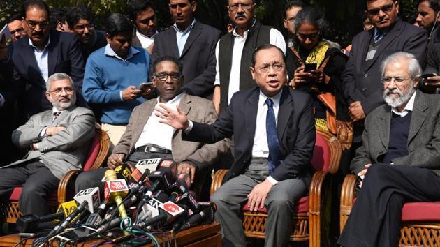 Supreme Court judges ( L-R ) Kurian Joseph, J Chelameswar, Ranjan Gogoi and MB Lokur address the media in New Delhi on Friday.(Arvind Yadav/HT PHOTO)