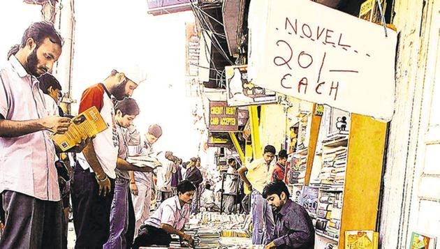 Started in 1964, the Daryaganj book market is known for rare book titles being sold at throwaway prices.(HT Photo)