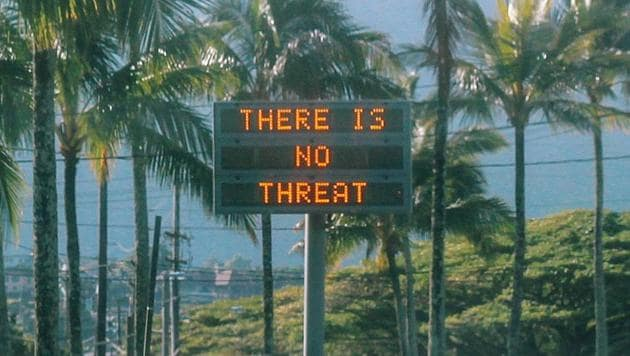 """An electronic sign reads """"There is no threat"""" in Oahu, Hawaii, U.S., after a false emergency alert that said a ballistic missile was headed for Hawaii, in this January 13, 2018 photo obtained from social media.(Instagram/@sighpoutshrug/via REUTERS)"""