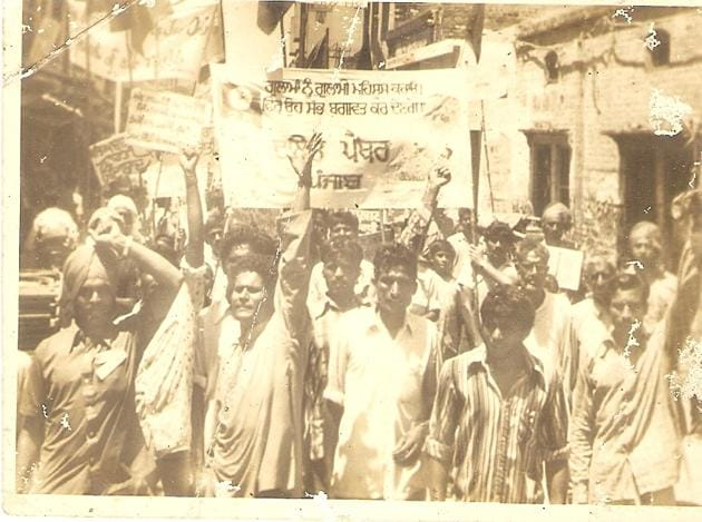 A procession of the Punjab Dalit Panthers.(Courtesy Forward Press)