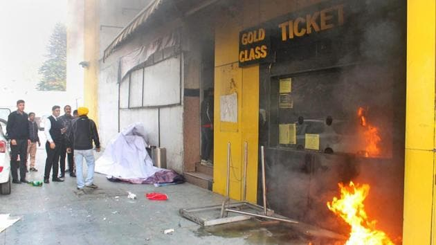 A ticket counter at Indira Theatre was set on fire by activists protesting against the release of film 'Padmaavat', in Jammu.(PTI Photo)