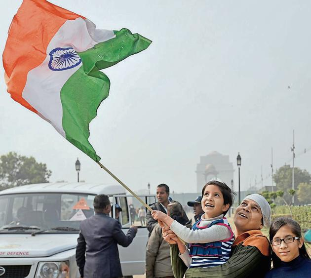 People at India Gate in New Delhi on Friday.(Sushil Kumar/HT PHOTO)