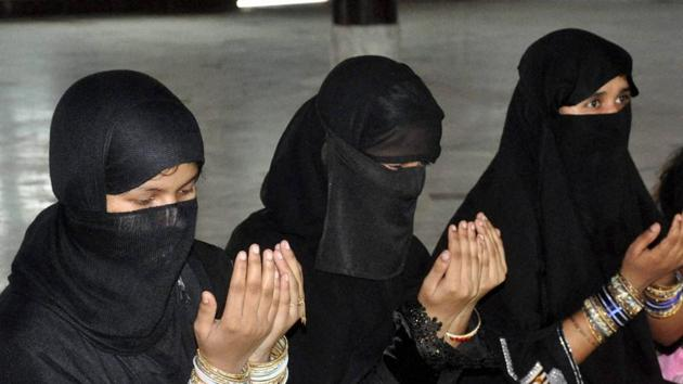 Muslim women offering namaz on the occasion of Eid-ul-Fitr at Eidgah in Lucknow.(PTI File Photo/Representative image)