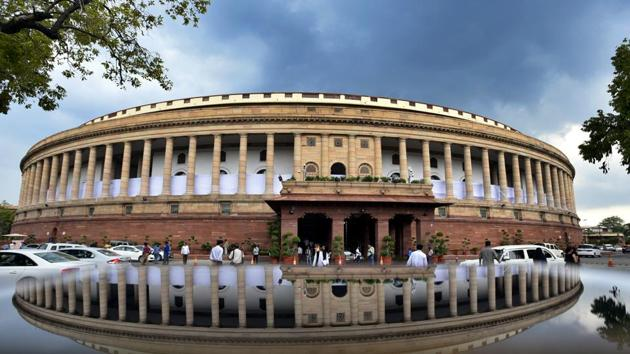 The budget session will open with President Ram Nath Kovind's address to a joint sitting of both houses of Parliament on Monday. Following the address, the economic survey will be tabled in both the Lok Sabha and the Rajya Sabha.(Raj K Raj/HT Photo)