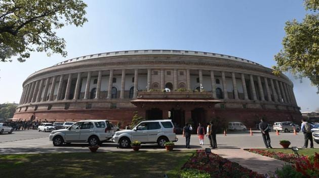 Only 20% of standard (non-minister) MPs that served a full term in Lok Sabha between 2009 and 2014 attended Parliament at least 90% of the time.(Sonu Mehta/HT File Photo)