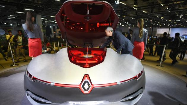 Renault MD and country CEO Sumit Sawhney, announced that the Kwid has been among the top 10 selling cars in India since its launch. Renault unveiled its Trezor Indian Premiere concept car at the Auto Expo. The manufacturer also said it awaits governmental clarification on the subject of electric vehicles in India. (Burhaan Kinu / HT Photo)