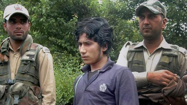 LeT militant Abu Hanzalla alias Naveed Jhatt when he was arrested from a hideout in Kulgam.(PTI File Photo)