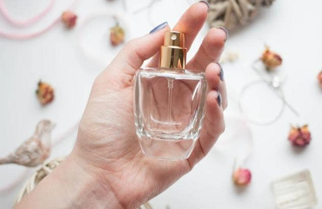 Have you tried mixing different perfumes? 8 tips to help you create a scent you'll love | Fashion Trends - Hindustan Times