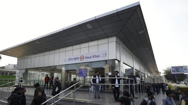 The new station at Hauz Khas will come as a boon for commuters from Gurgaon, Noida, Faridabad and Dwarka.(Burhaan Kinu/HT PHOTO)