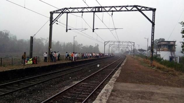 The Umbarmali station in Kalyan (East).(RISHIKESH CHOUDHARY/HT)