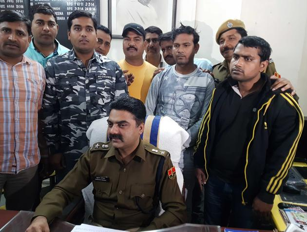 The two main accused in the gold robbery,were arrested by the Kota police on Thursday.(HT Photo.)