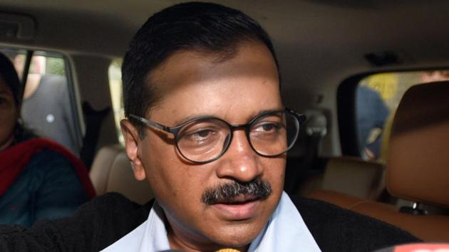 Delhi chief minister Arvind Kejriwal speaks to journalists after the Delhi Police visited his residence on Friday.(Sonu Mehta/HT Photo)