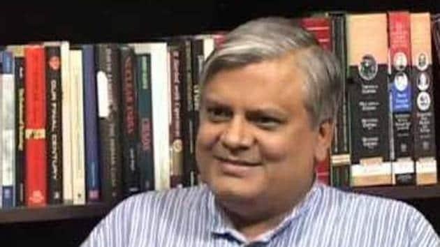 Senior journalist and Editor-in-chief of National Herald newspaper Neelabh Mishra passed away in Chennai.(Twitter)