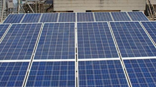 The government would extend all help to industrialists in removing obstacles in the implementation of solar policy.(HT/ Representative image)