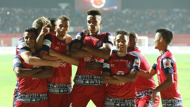 Jamshedpur FC need a win against Bengaluru FC, who are on top of the table, in order to seal a spot in the Indian Super League play-offs.(ISL / SPORTZPICS)