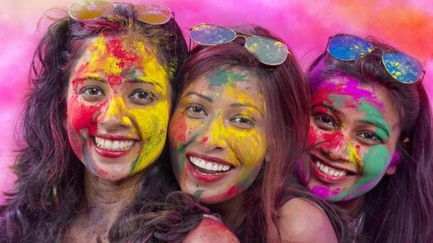 Holi: Simple hair and skin care rituals to follow before and after the celebrat...