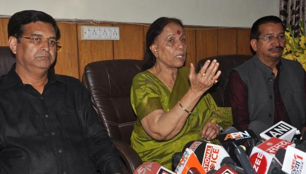 Leader of Opposition, Indira Hridayesh, addressing a press conference in Dehradun on Tuesday.(HT photo)