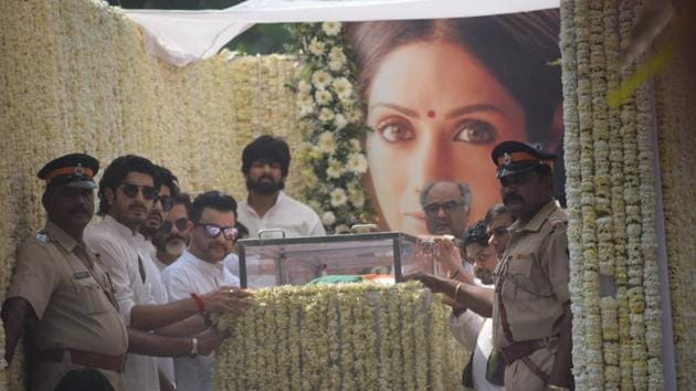 Producer Boney Kapoor and actors Anil Kapoor, Arjun Kapoor, Sanjay Kapoor and Mohit Marwah accompany the body of late actress Sridevi to the Vile Parle Seva Samaj Crematorium and Hindu Cemetery for cremation in Mumbai.(IANS)