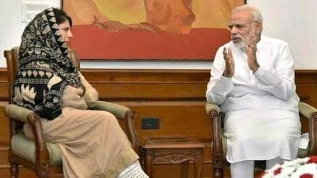 J-K Chief Minister, Mehbooba Mufti discussed the overall situation in the State with Prime Minister, Narendra Modi.(HT File Photo)